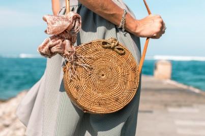 Trend letošního léta: proutěné košíky a kabelky