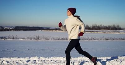 Jak se správně obléct na běhání v zimě