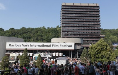52. Filmový festival v Karlových Varech startuje!