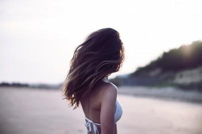 3 tipy, jak mít zdravé a krásné vlasy i v parných letních dnech